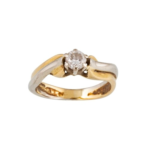 A DIAMOND SOLITAIRE RING, the round brilliant cut diamond mo...