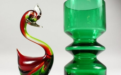 A RIIHIMAEN LASI GREEN GLASS VASE, 8ins high; together