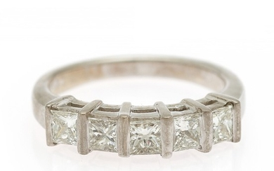 A diamond ring set with five princess-cut diamonds, totalling app. 1.00 ct., mounted in 18k white gold. W. 4 mm. Size 51.