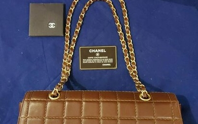 Authentic Classic Chane Stitched l Hand Bag