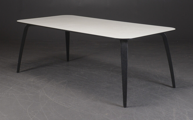 Komplot Design for GUBI. Spisebord model Dining Table.