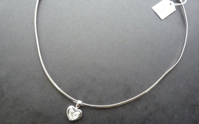 Necklace in 18K (750/oo) smooth white gold with articulated flat...