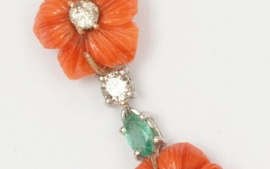 Pair of white gold earrings with carved coral flower decoration, punctuated with brilliant-cut diamonds and a faceted oval emerald. Length: 3cm. Rough weight: 6.4g.
