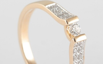 Ring in 9k set with brilliant cut diamonds 0.25ct