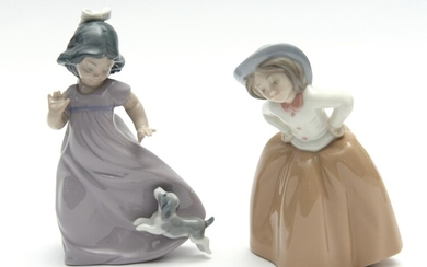 TWO LLADRO FIGURES OF GIRLS