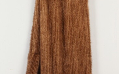 WHISKEY BROWN KNITTED FUR THROW WITH ROSETTE DETAIL . Estimate...