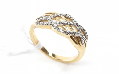 A DIAMOND DRESS RING IN 9CT GOLD, RING SIZE O