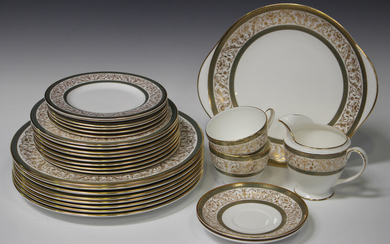 A Minton Aragon pattern bone china part service, comprising eight dinner and dessert plates, cake pl