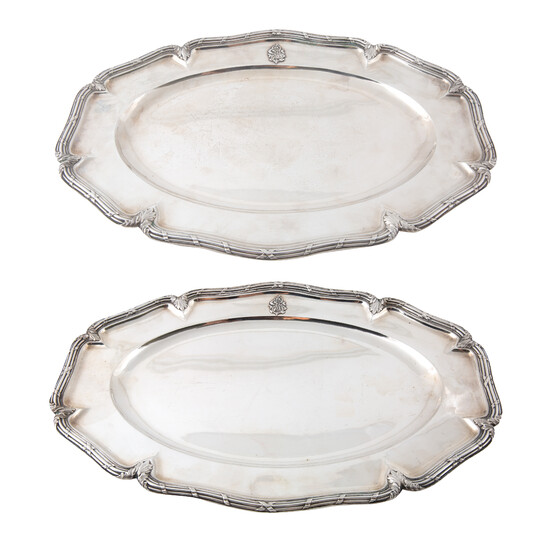 A PAIR OF RUSSIAN SILVER TRAYS, WORKMASTER A. RIEDEL, MOSCOW, 1896-1898