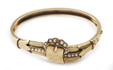 AN ANTIQUE SEED PEARL BANGLE