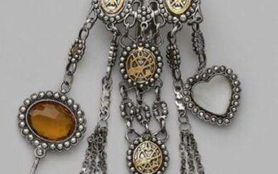 Chatelaine in metal and gilded metal with oval...