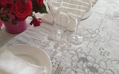 Hand embroidered tablecloth - Linen - 70's