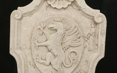 Magnificent Coat of Arms with Griffin - 49 x 36 cm - Asiago Biancone marble - 2000-Present