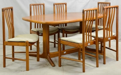 Mid Century Modern Oval Dining Table & 6 Chairs