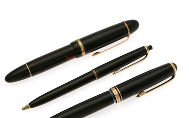 Montblanc: A writing set comprising a Pix 26 mechanical pencil, a Meisterstück 149 fountain pen and a 256 fountain pen. (3)