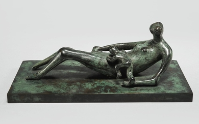 RECLINING MOTHER AND CHILD II, Henry Moore