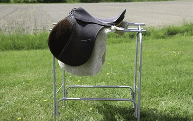 SILVER CUP ENGLISH LEATHER SADDLE & STAND