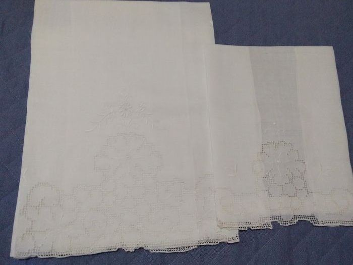 Set of 2 hand-embroidered towels - Pure linen - Early 20th century