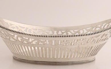 Silver bread basket, 835/000, oval sawn model with bars