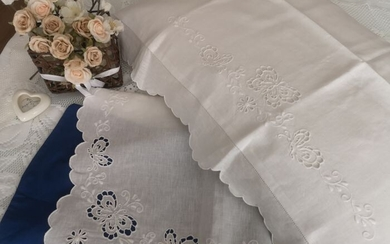 Spectacular 100% pure linen bed sheet with Butterflies Carving and Full Stitch embroidery entirely - Linen - AFTER 2000