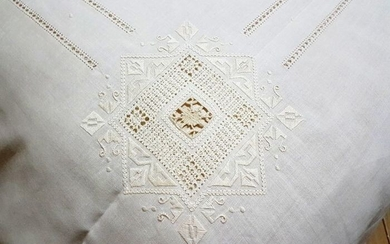 Very rich 100% pure linen bedspread with hand needlepoint embroidery - Linen - 21st century