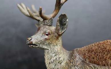 Vienna Foundry - Sculpture, Large Stag - Pen wiper - Bronze (cold painted) - Circa 1900