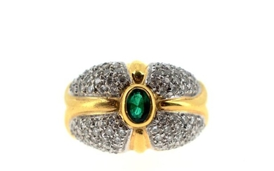 18 K (750°/°°) yellow gold ring set with a pavé of brilliant-cut diamonds, with an oval synthetic emerald in the centre.