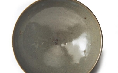 A CHINESE JUNYAO BOWL YUAN DYNASTY (1279-1368) The De Voogd Collection