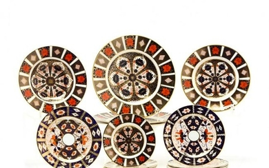 """A Group of (14) Royal Crown Derby """"Imari"""" Plates"""