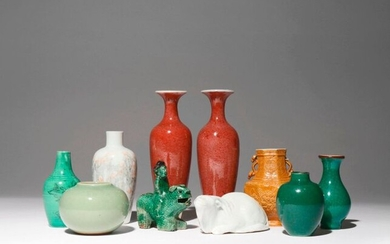 A SMALL COLLECTION OF CHINESE CERAMIC ITEMS QING DYNASTY Comprising:...
