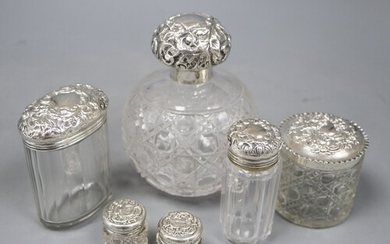 A late Victorian silver mounted cut glass scent bottle, Ches...