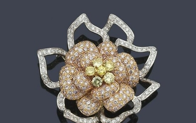 Flower-shaped brooch with diamonds