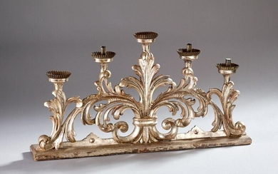 Important Italian 5-burner candleholder in silver stuccoed wood with an important fleur-de-lys or acanthus leaf.