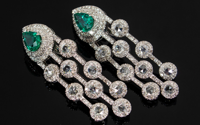 Earrings with emerald and diamonds