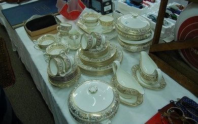 Wedgwood Florentine pattern part dinner service for six persons...