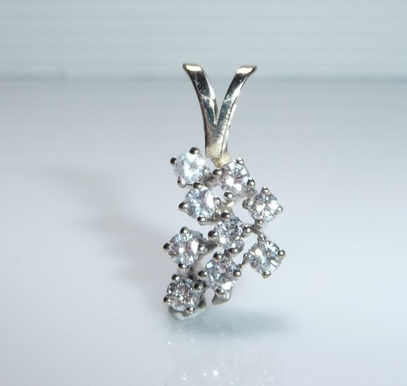15 kt. White gold - Pendant 9 diamonds 0.90 ct. Top quality G / VVS