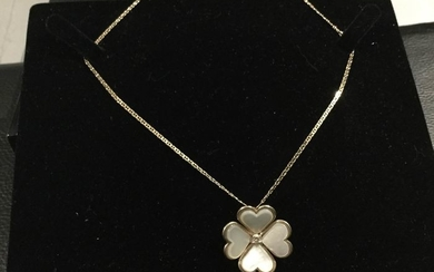 18 kt. Yellow gold - Necklace - 0.09 ct Diamond - 4 hearts in mother of pearl