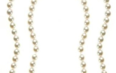 18kt yellow gold, cultured pearls, sapphire and diamond