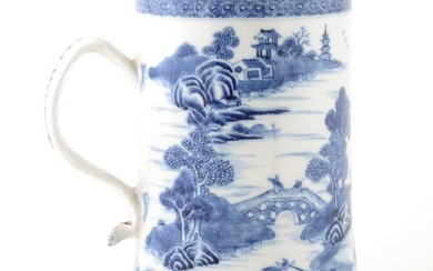 A Chinese blue and white export porcelain mug, Qianglong