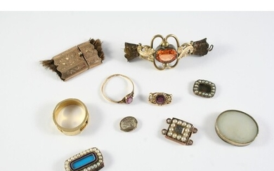 A QUANTITY OF JEWELLERY including a 22ct gold and gem set ri...