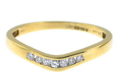 An 18ct gold diamond chevron ring.