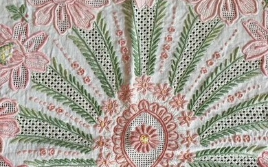 Hand-embroidered linen tablecloth - 170 x 250 cm - Linen - Second half 20th century