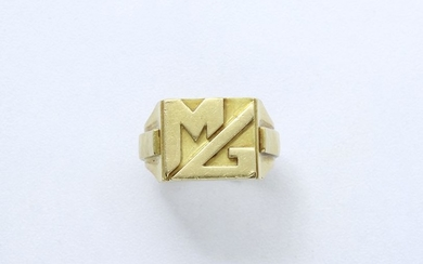JEAN DESPRES. Gold signet ring in 750 thousandths...
