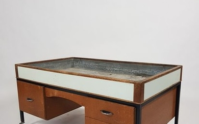 Old school sand/water table from 1950/60's