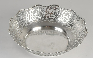 Silver bowl, 800/000, Round model with sawn floral
