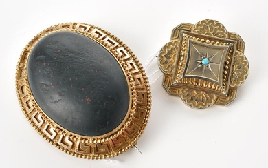 TWO ANTIQUE BROOCHES, INCLUDING SILVER GILT AND FAUX BLOODSTONE SET, THE LENGTH OF THE LARGER ONE 60MM