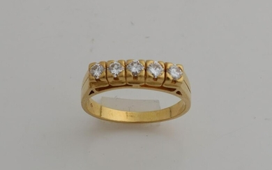 Yellow gold ring, 916/000, with 5 diamonds. Riding