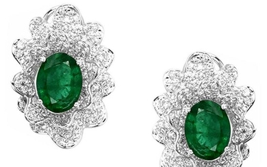 4.55 tcw Emerald Natural Diamond Earring in 18K White