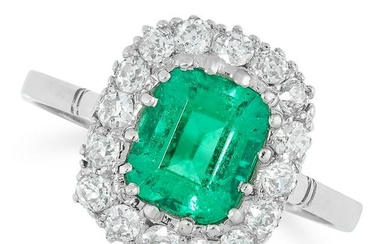 A COLOMBIAN EMERALD AND DIAMOND CLUSTER RING in