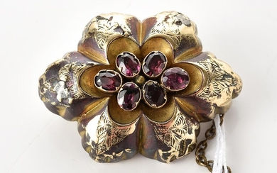 AN ANTIQUE GARNET BROOCH/LOCKET IN GOLD LINING, THE LOCKET COMPRISING BRAIDED HAIR, 35x28MM
